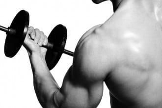 Intensives Krafttraining erhöht den Testosteron Spiegel
